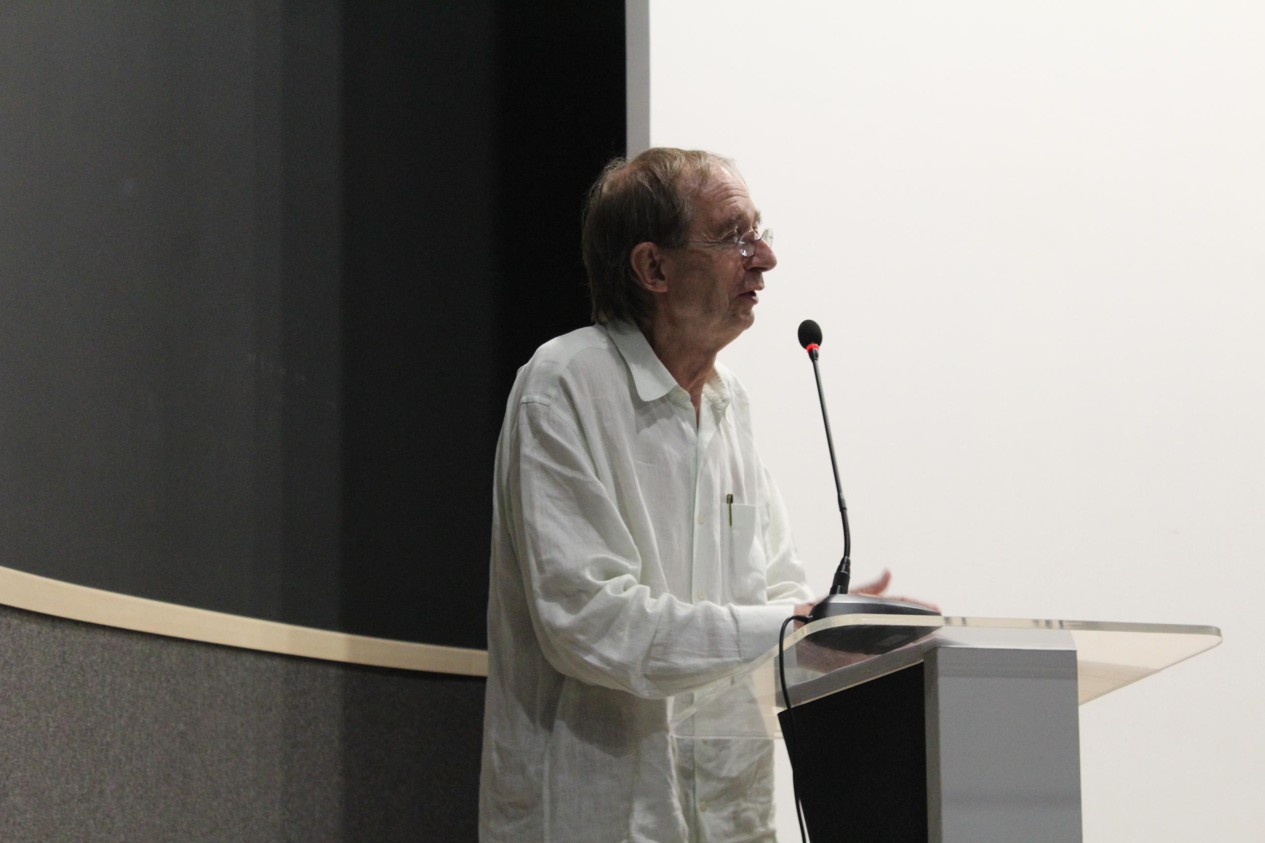 Eduardo Subirats dictó su conferencia magistral Viaje de un idiota al reino del conocimiento