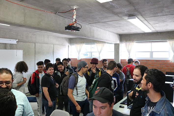 Los estudiantes conocieron las instalaciones del laboratorio