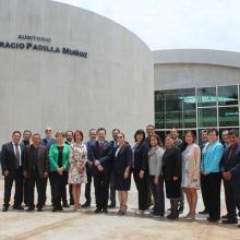 Foto oficial: docentes reconocidos, Junta Divisional y representantes sindicales
