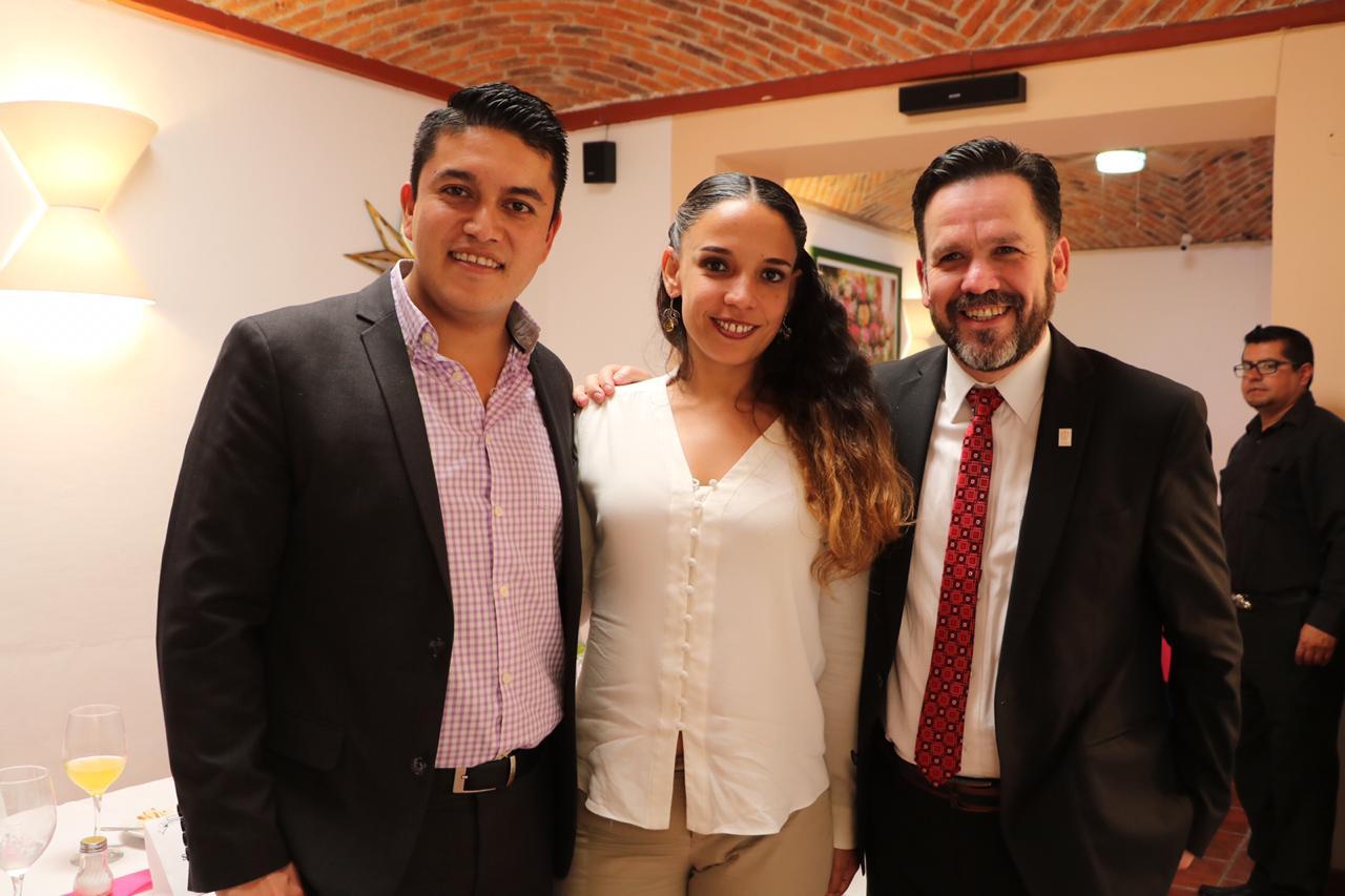 De izquierda a derecha: lic. Tecutli Gómez, lic Giovana Jaspersen y dr. Aristarco Regalado
